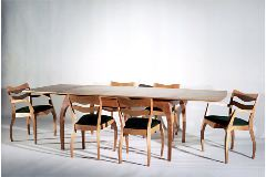 LIV_table&chair